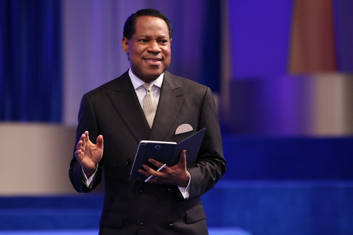Pastor Chris - Sunday Service
